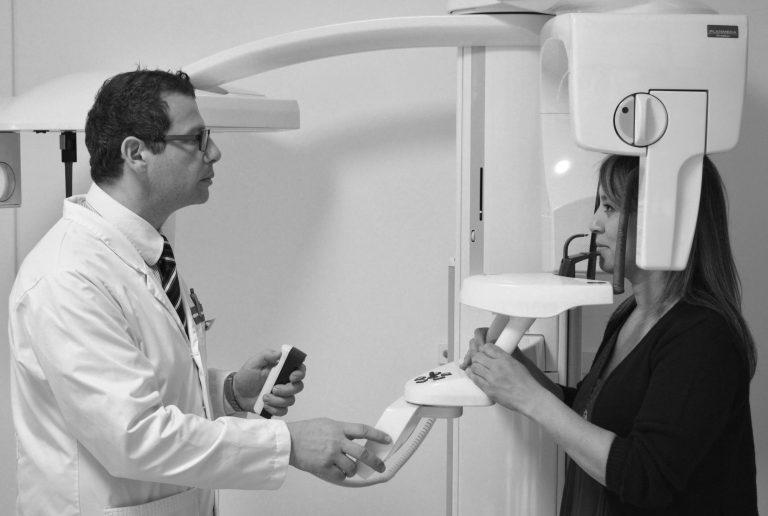 """Le cliché panoramique — comme d'ailleurs toute la radiologie dentaire — est impactée par le """"trajet de soins bucaux"""""""